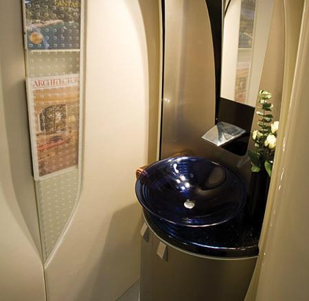 hondajet lavatory toilet flyradius