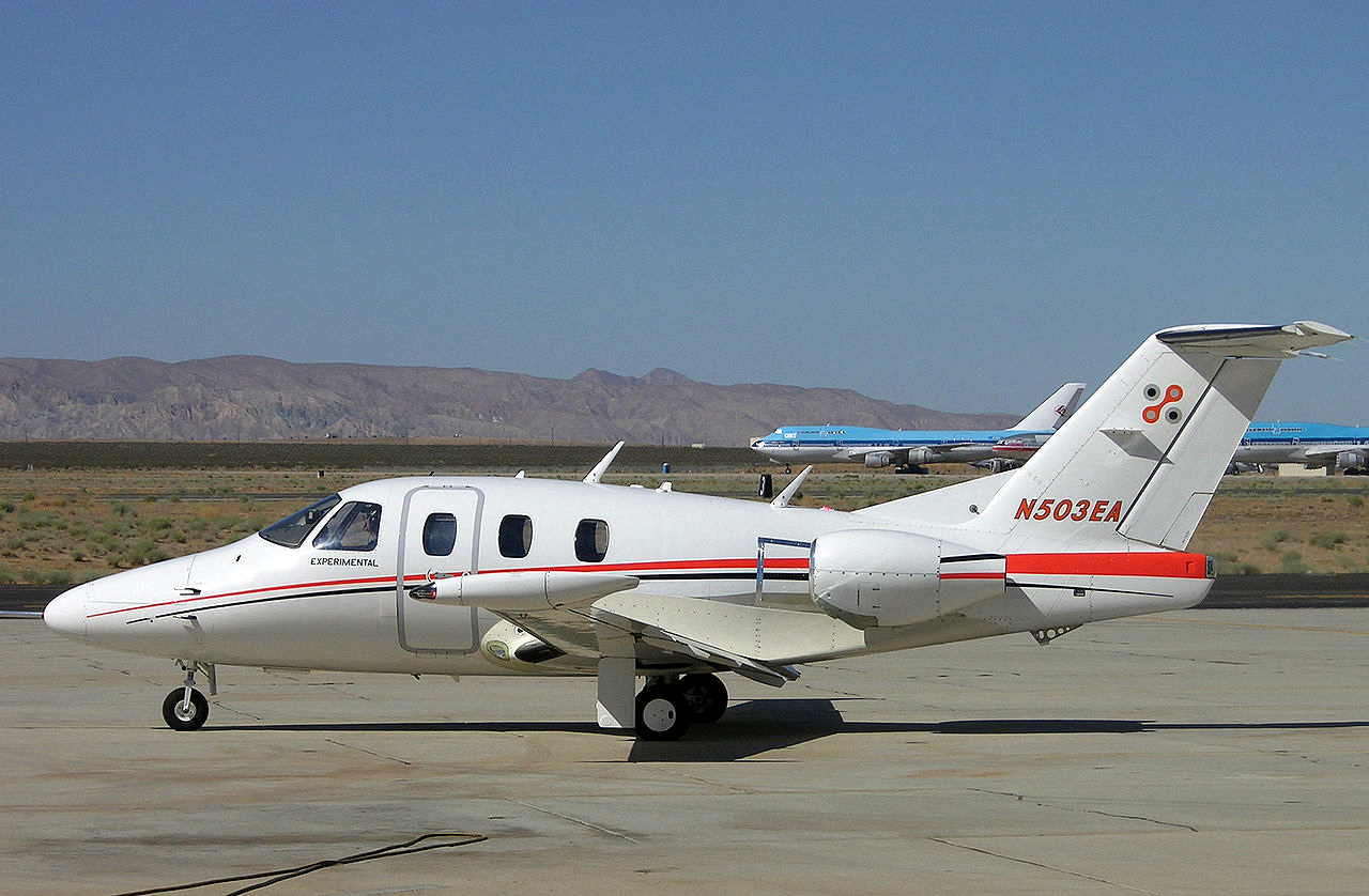 http://www.sunairlines.net/images/stories/eclipse500/eclipse-aircraft.jpg